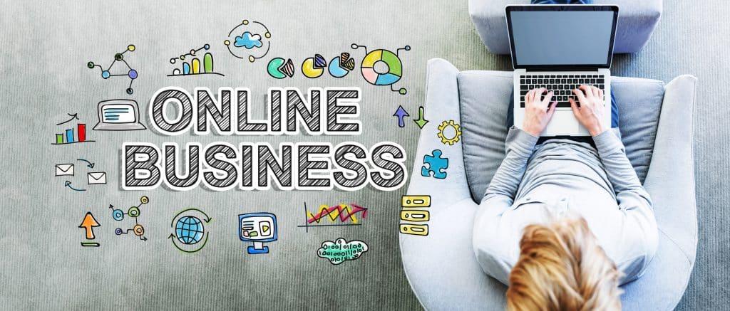 online marketing, woman on laptop
